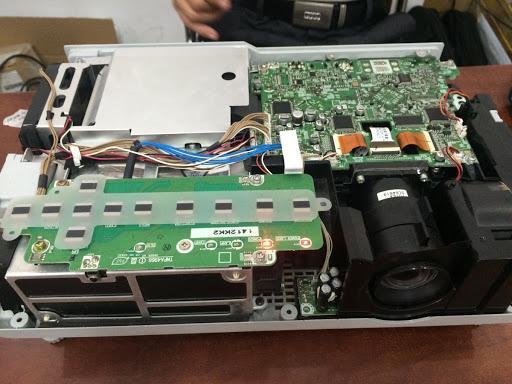 VINAPC còn cung cấp dịch vụ sửa máy chiếu uy tín, chất lượng, giá rẻ