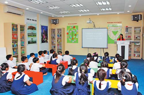 Dạy học bằng máy chiếu được áp dụng ở cấp tiểu học