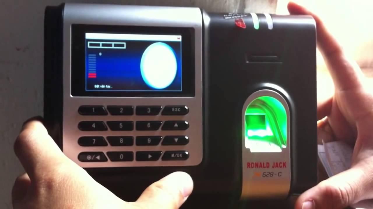 Máy chấm công Ronald Jack được dùng phổ biến tại các doanh nghiệp