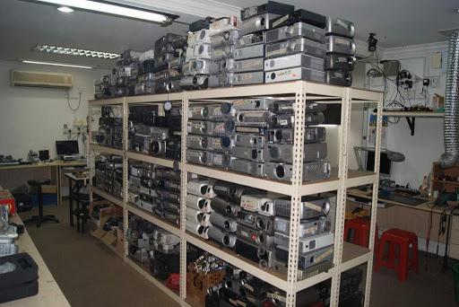 Quá trình thu mua máy chiếu cũ của VINAPC